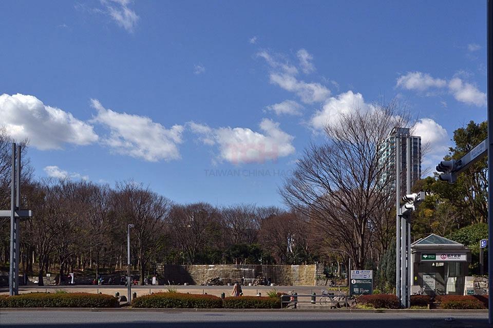 【那你呢あなたはロケ地】新宿中央公園正面