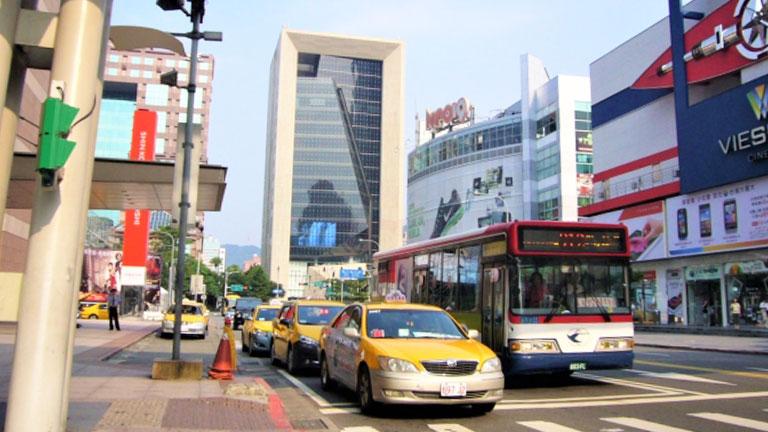 台湾のタクシーは高いのか?日本より断然安くて便利!