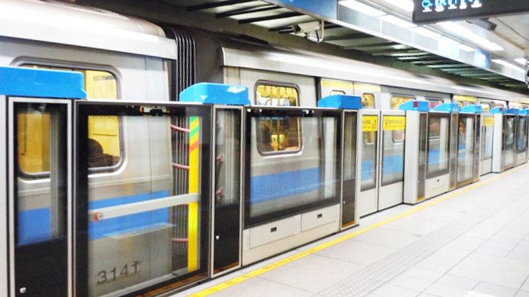 台北地下鉄の乗車方法は日本と似ているので安心
