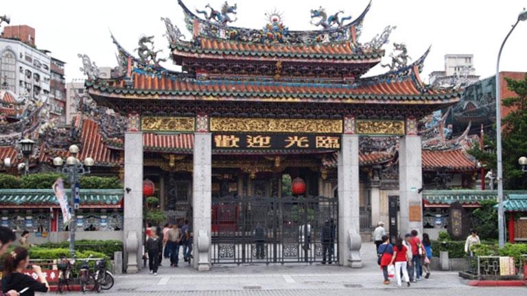 華西街観光夜市は龍山寺を訪ねた際はぜひ訪れてみてください♪