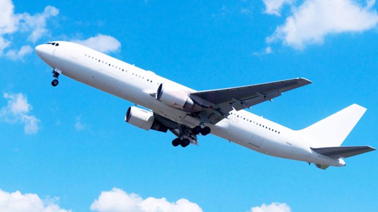 紹介する4社の航空会社の安全面とサービス面はどう評価されているかチェック!
